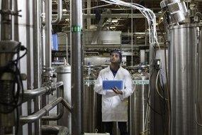 Agua ultrapura con instalaciones sterilizables resistentes a agua caliente